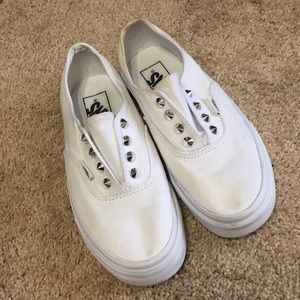 VANS WHITE SLIP ON STUDDED